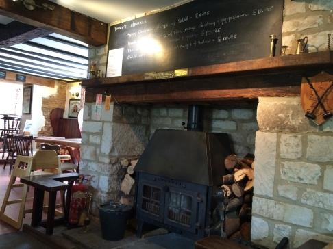 Fox and Hounds pub (Uffington)