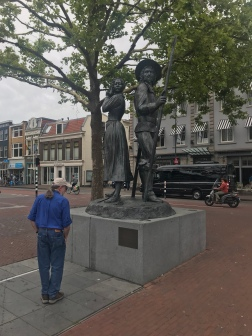 Statue to the women who defended Haarlem from the Spanish